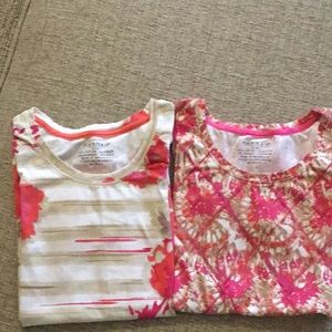 2 short sleeve tops size Small